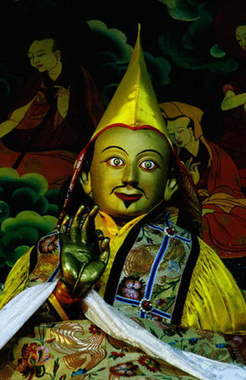 File:Fifth Dalai Lama.jpg