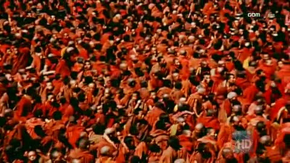 File:Large Gathering of Monks.jpg