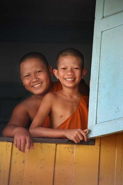 Young Thai Buddhist monks.jpg