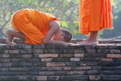 Ng-buddhist-monks.jpg