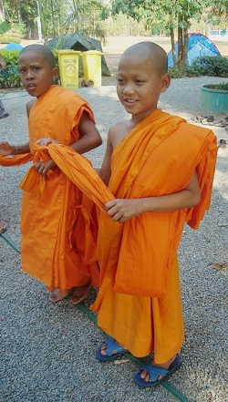 Buddhist child Thailand.jpg
