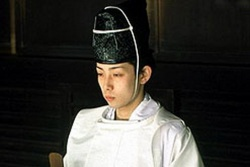 Shinto priest24333.jpg